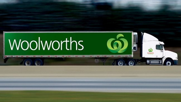 eBay and Woolworths sign collection deal
