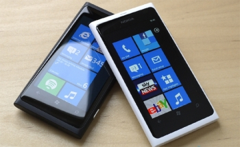 Nokia and Microsoft get glassy-eyed with new contract