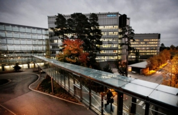 Nokia sells its HQ building and leases it back