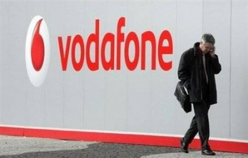 Vodafone Australia still losing hundreds of thousands of customers