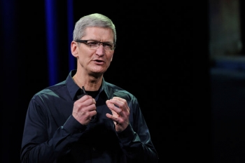 Apple announces massive share buyback plan