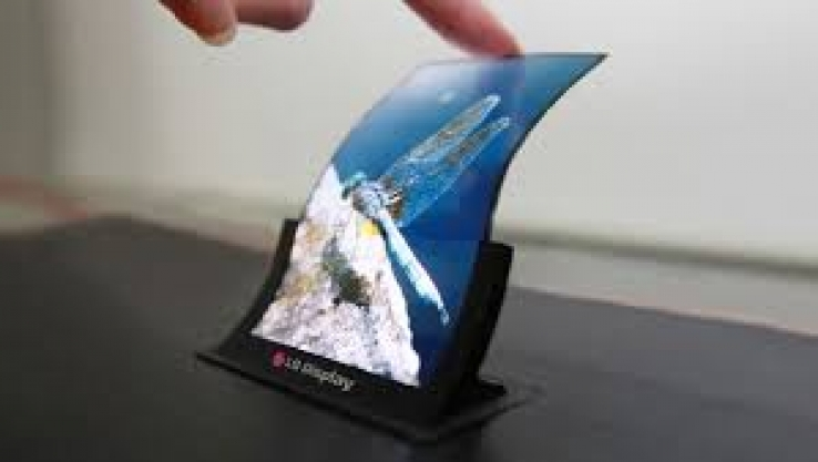 LG bends OLED – innovative, new designs now possible