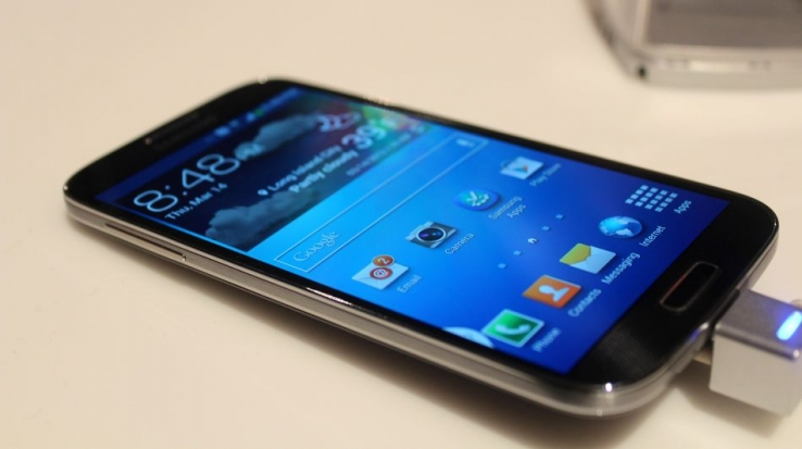 Telcos scramble to launch Galaxy S4