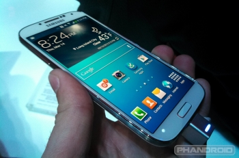Samsung sells more smartphones, Apple's ecosystem falters