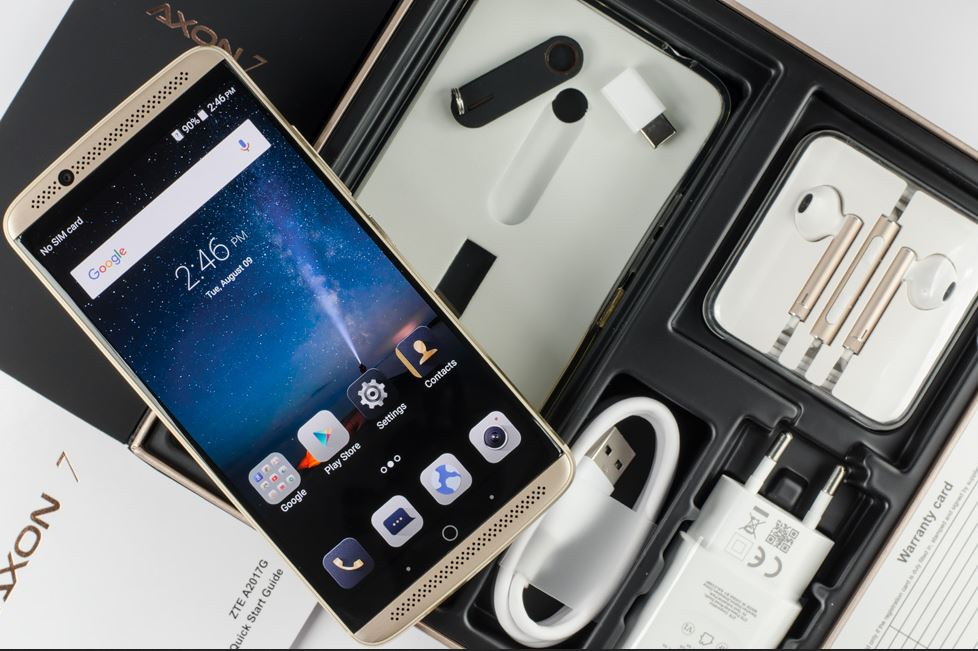 iTWire - ZTE Axon 7 – budget buster packs everything