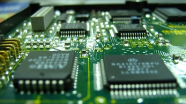 US looks to build advanced chip firms to guard against supply chain issues
