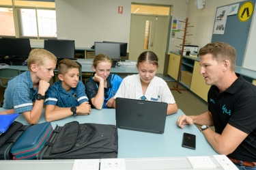 Optus takes 'stay safe online' message to Wide Bay schools