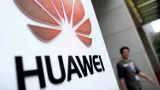 Huawei gets mobile with car powered by AI smartphone
