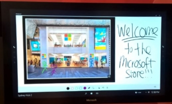Microsoft Sydney store open for business to record crowds