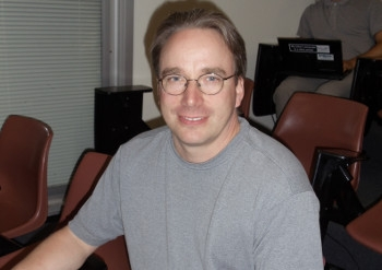 Female dev asks Torvalds to curb list abuse