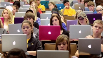 Apple losing its 'cool' with US college students