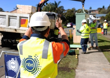 NBN Co says rollout by 2020, but HFC, wireless take a toll
