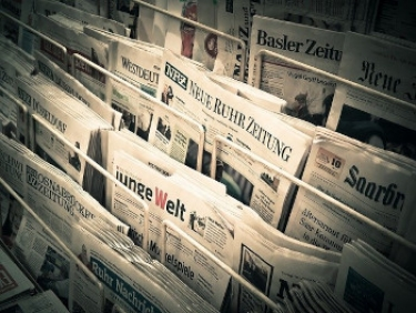 Google signs French deal to pay newspapers for snippets