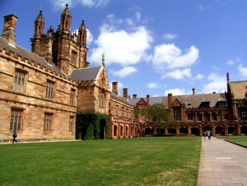 "Unis spur MOOC ""feeding frenzy"""