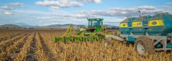 Digital tech adoption a way to improve productivity for agriculture businesses, says ACCC