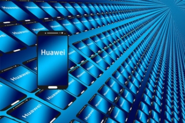 Huawei takes record 42% share of China smartphone market in Q3