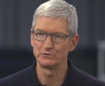 Tim Cook calls on Bloomberg to retract China spying story